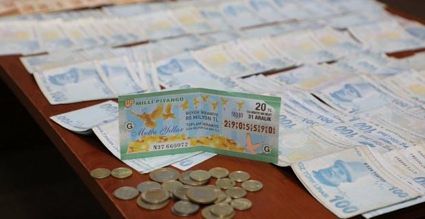 Dilencinin üzerinden 10 bin TL para ve Milli Piyango Bileti çıktı
