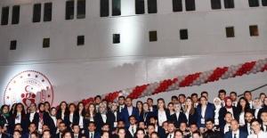 Öğrenciler Galata'dan Samsun'a Uğurlandı